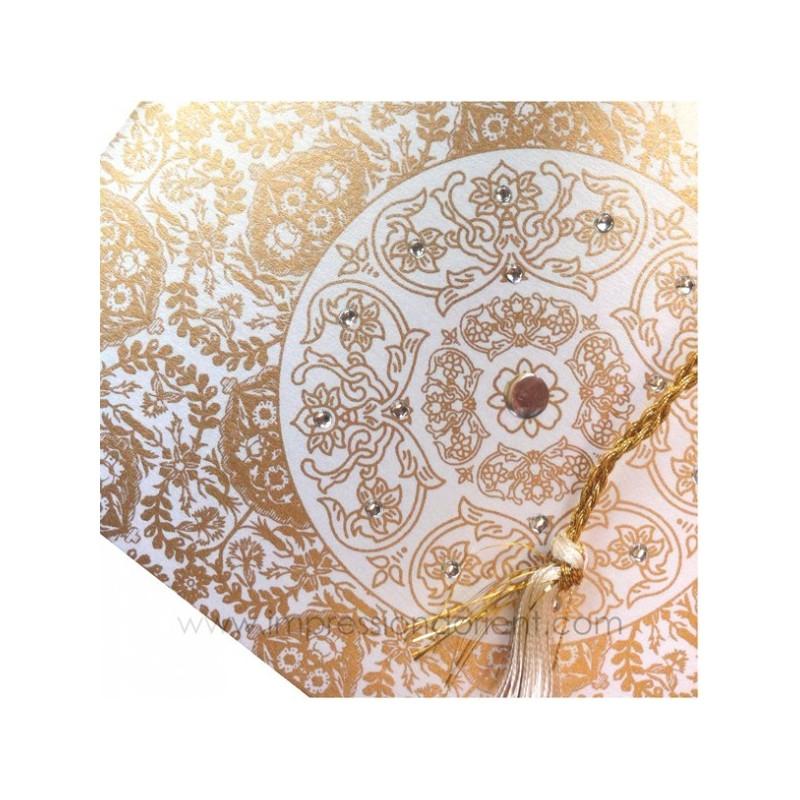 Sakina-Or - Vue d'ensemble avec enveloppe en arrière-plan