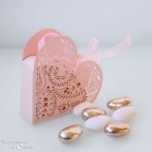 Coeur arabesque rose poudré