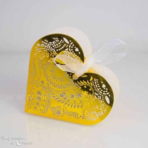 Coeur arabesque doré